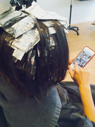 foil highlights on medium length hair